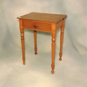 lot 569 single drawer side table 23 x 17 x 29